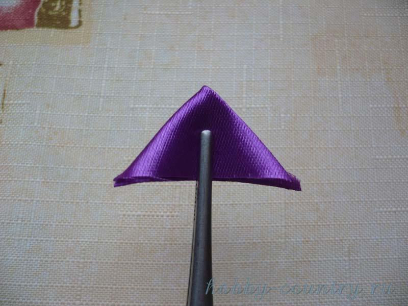 треугольный лепесток канзаши