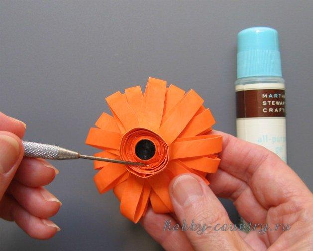 изготовление цветка квилинг