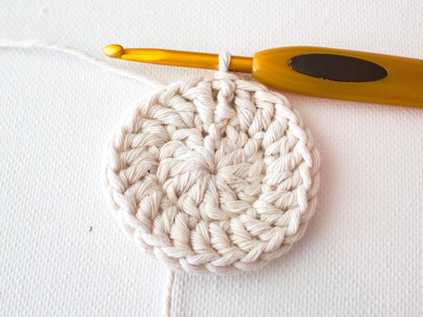 Как сделать салфетку из ниток крючком для начинающих