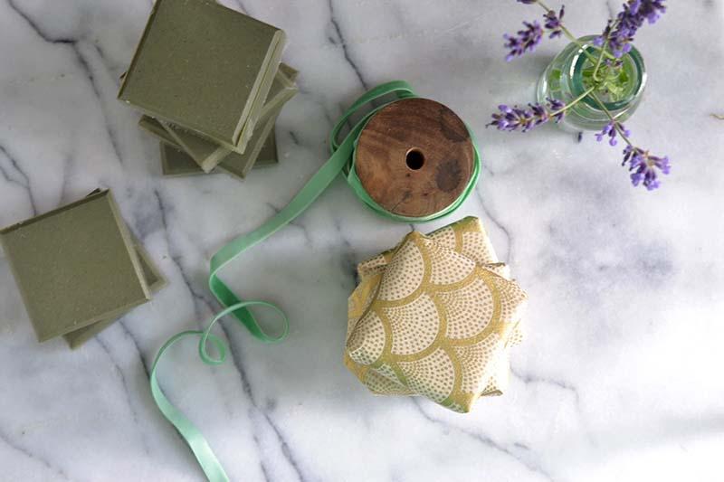 оливковое мыло с глиной и лавандой из основы