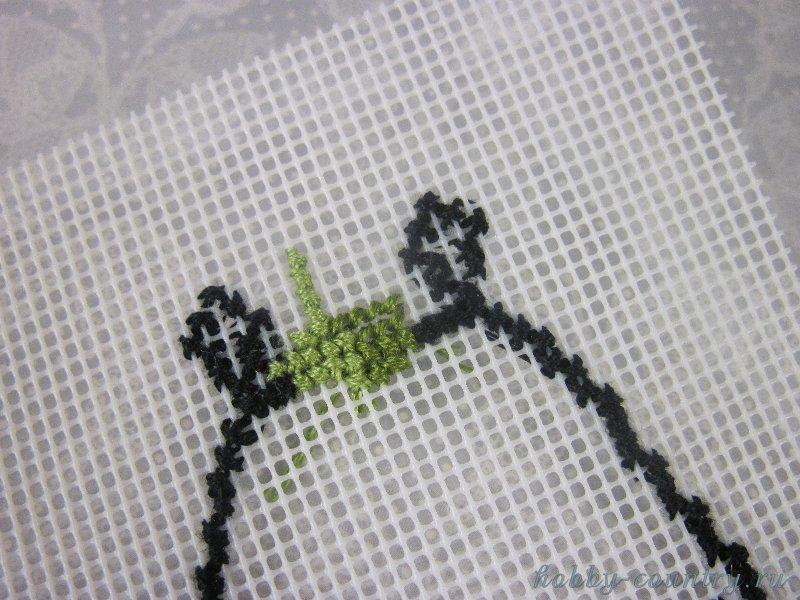 вышиваем на пластиковой канве брелок