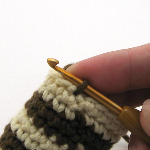 как поменять цвет при вязании крючком