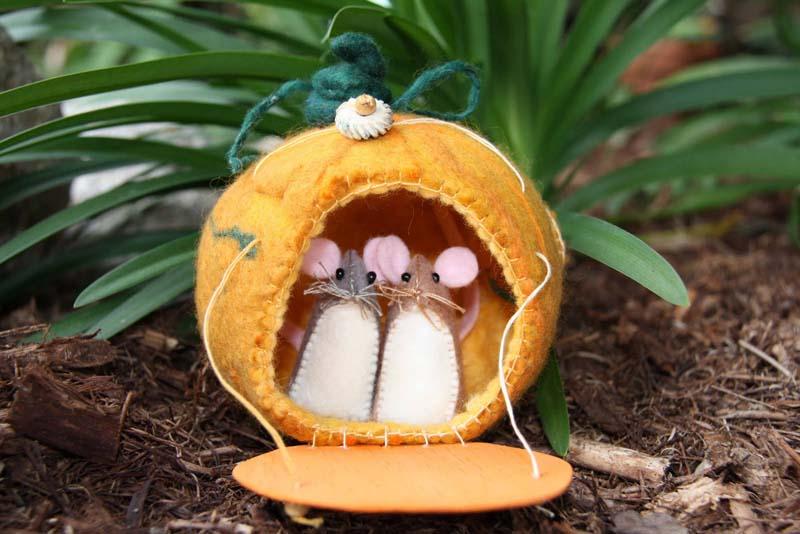 игрушки из фетра мышь