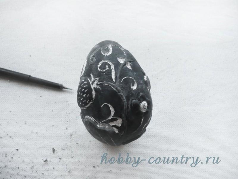 декорирование гипсового яйца пошагово