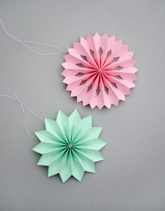 цветы медальоны для украшения коробок