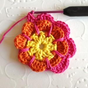 вязание крючком ажурный цветок с протяжками