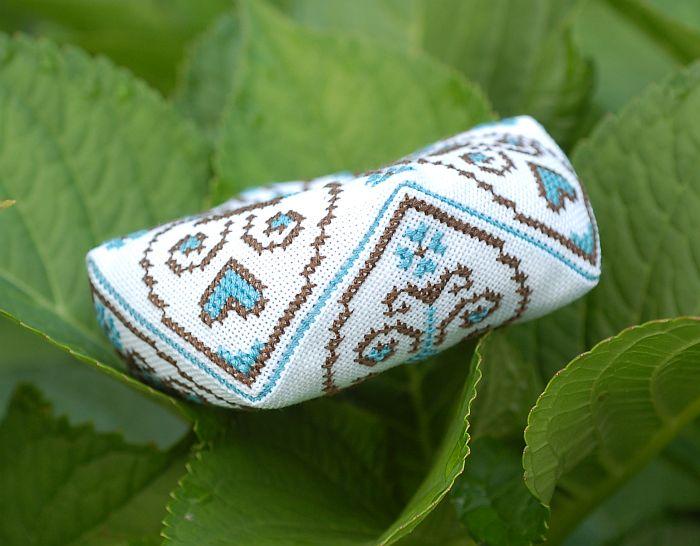 схема для вышивки бискорню птички сердечки