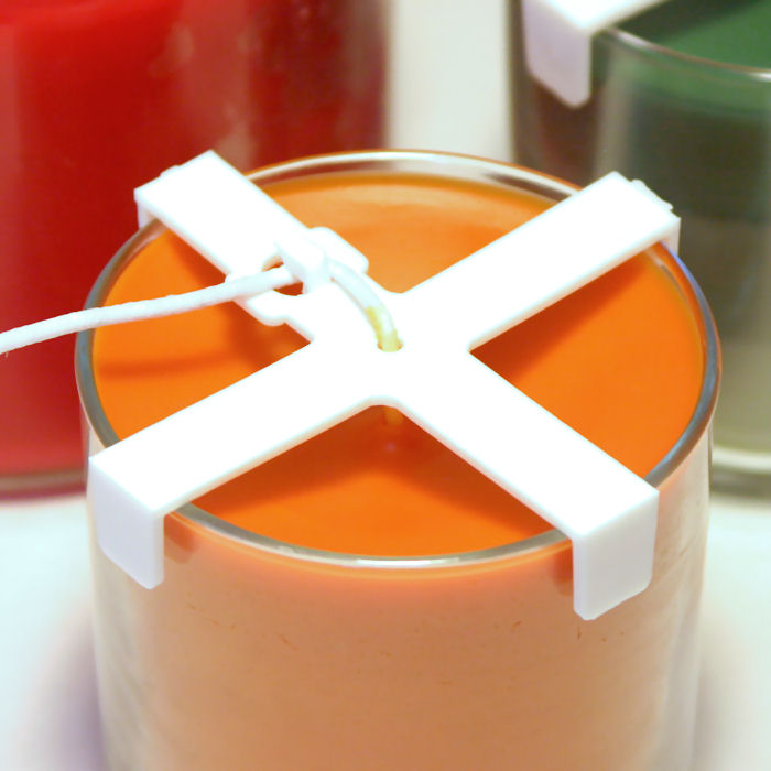 как закрепить фитиль в свече