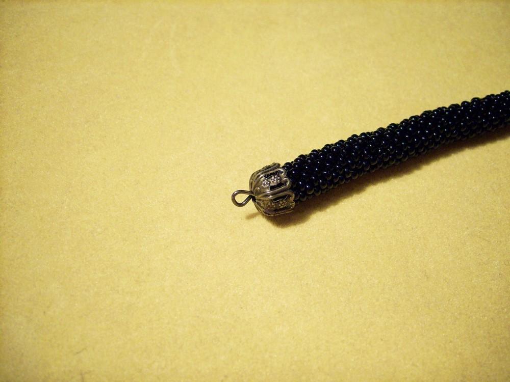 как оформить конец бисерного шнура