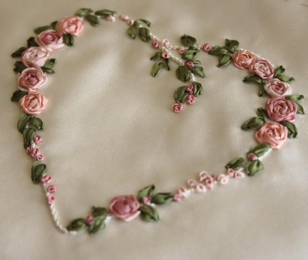 сердце с розами вышивка лентами