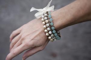 браслеты с бусинами своими руками