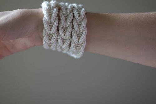 браслет вязанная косичка