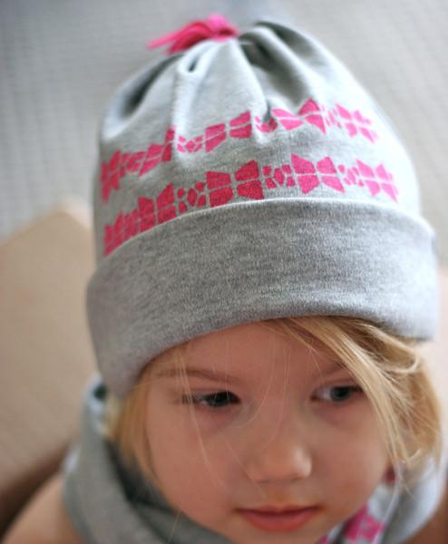 сшить трикотажную шапочку
