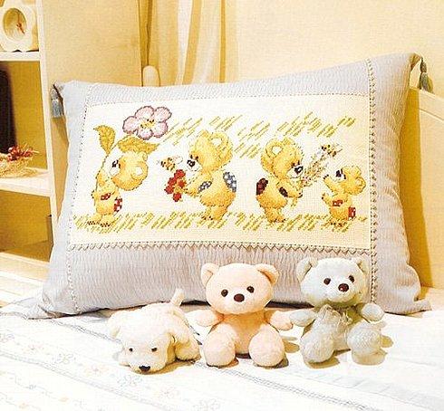 Вышивка крестиком для детской подушки