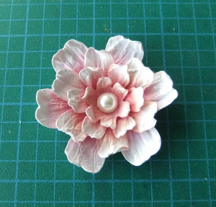 цветок из бумаги на открытку