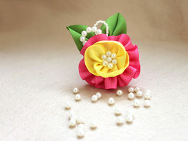как сделать цветы из лент пошаговое фото