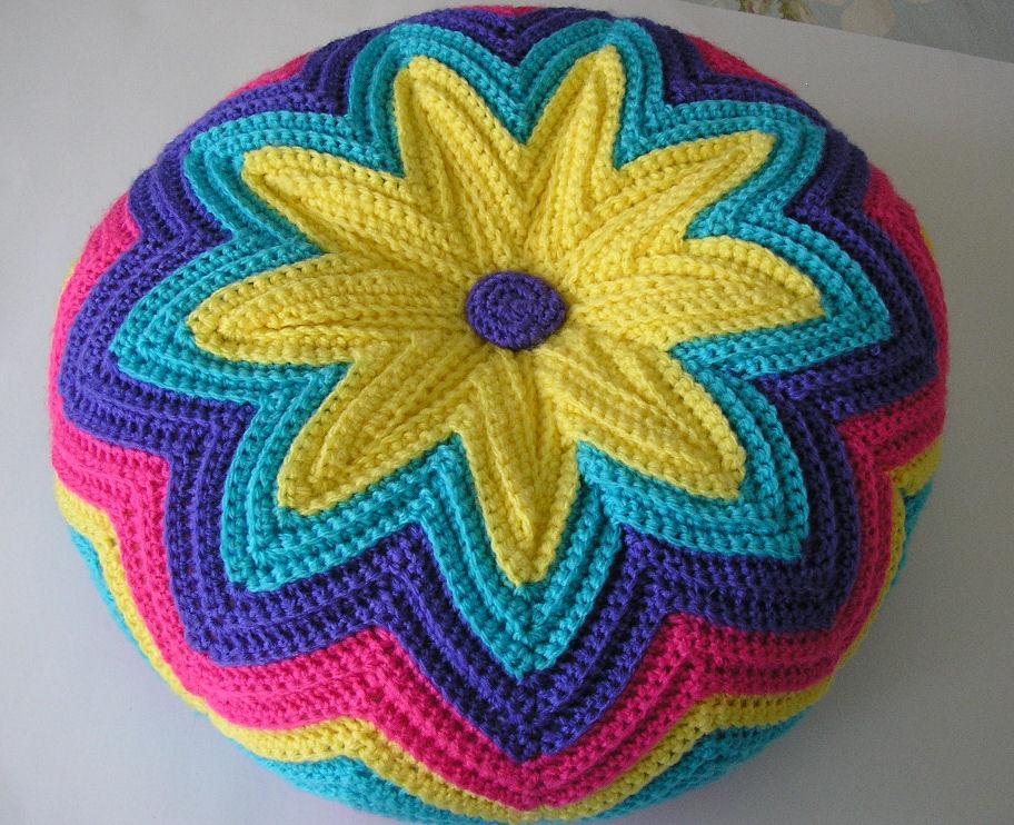 Подушка крючком схема и описание цветов в рядах