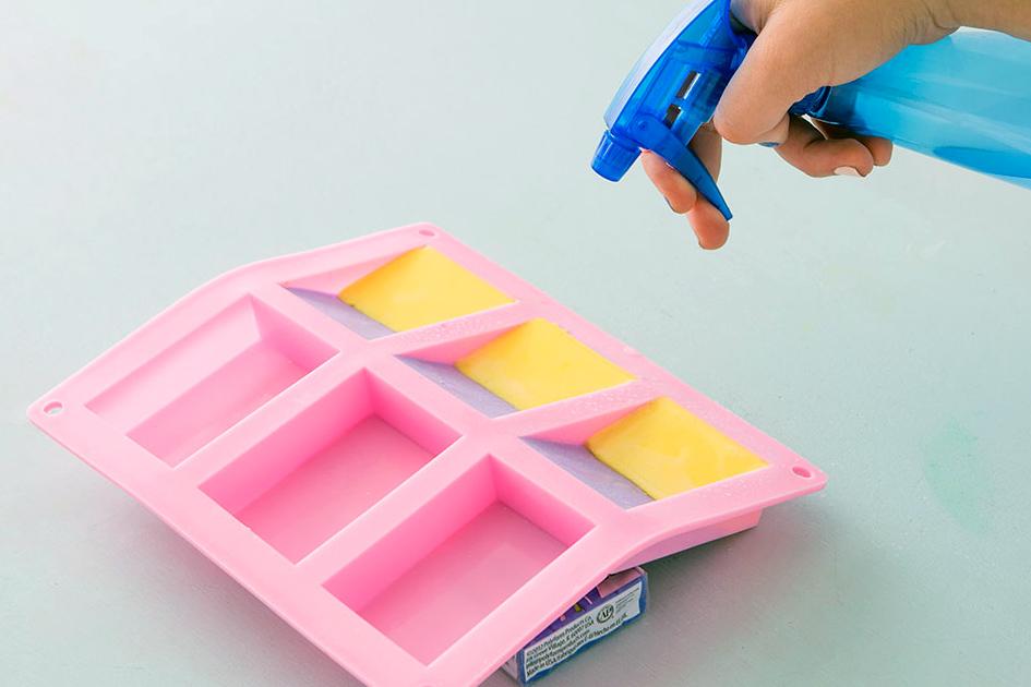 как сделать разноцветное мыло в домашних условиях