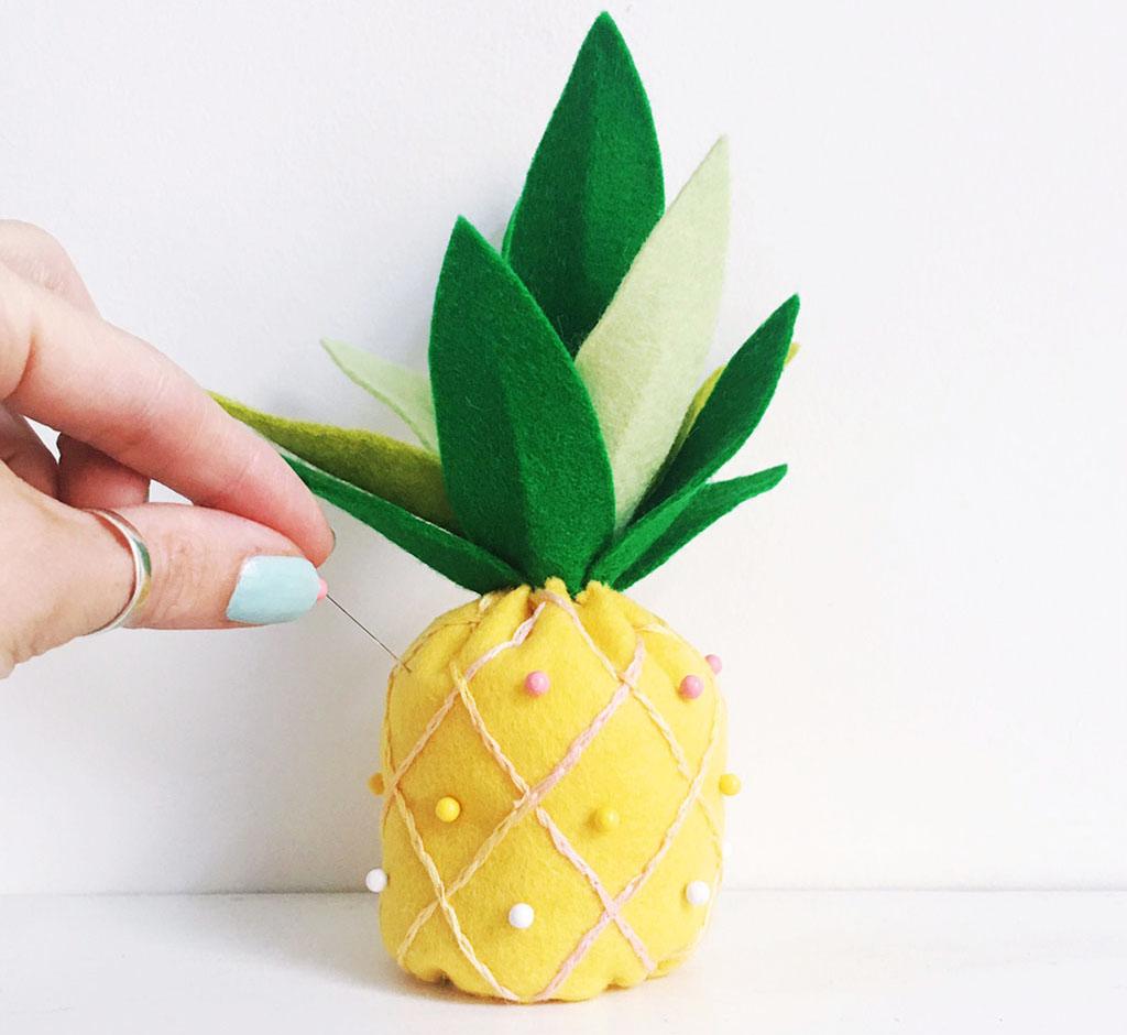 Как своими руками сделать ананас из конфет своими руками пошаговое